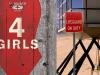 Mission Beach USA - 4 Girls